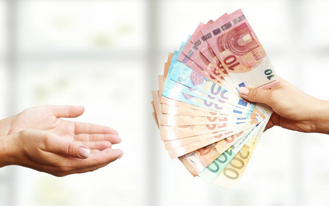 ¿Cuáles son las limitaciones del pago en efectivo?