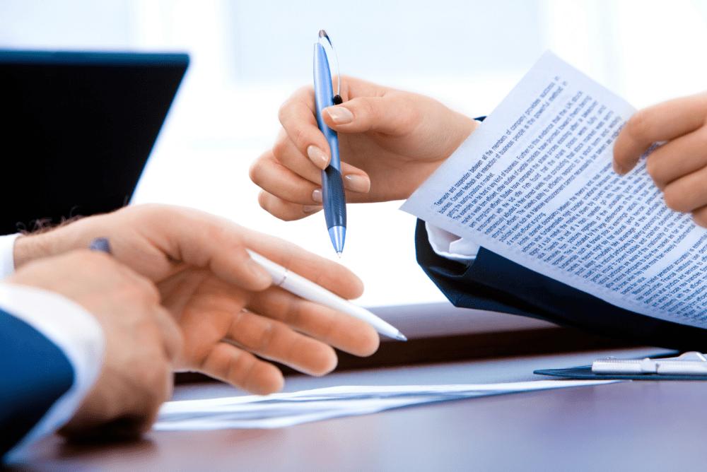 ¿Qué es un contrato de relevo? ¿Y qué debe cumplir?
