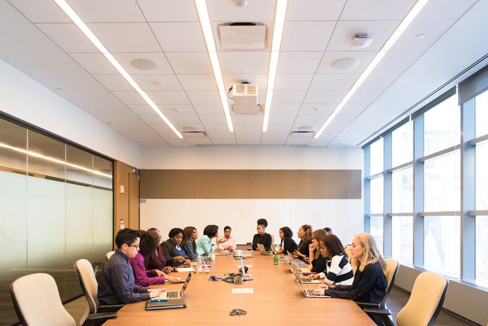 Cómo ayudar como líder a los trabajadores de una empresa
